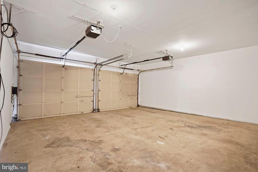 Garage - 7783 BALLSTON DR, SPRINGFIELD