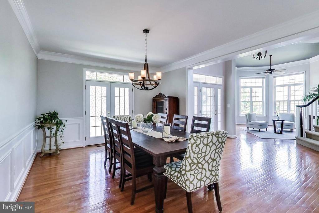 Truly an open concept for entertaining - 13016 SAINT CLAIR RD, CLARKSBURG