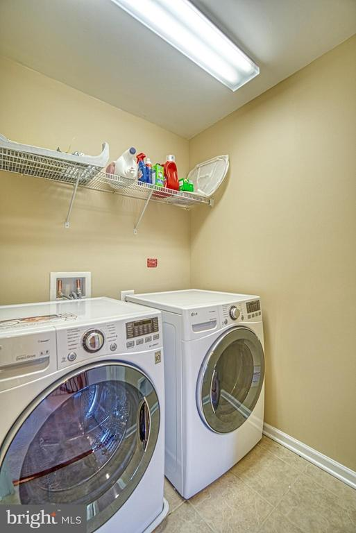 Upper Level Laundry Room - 42105 AUTUMN RAIN CIR, BRAMBLETON