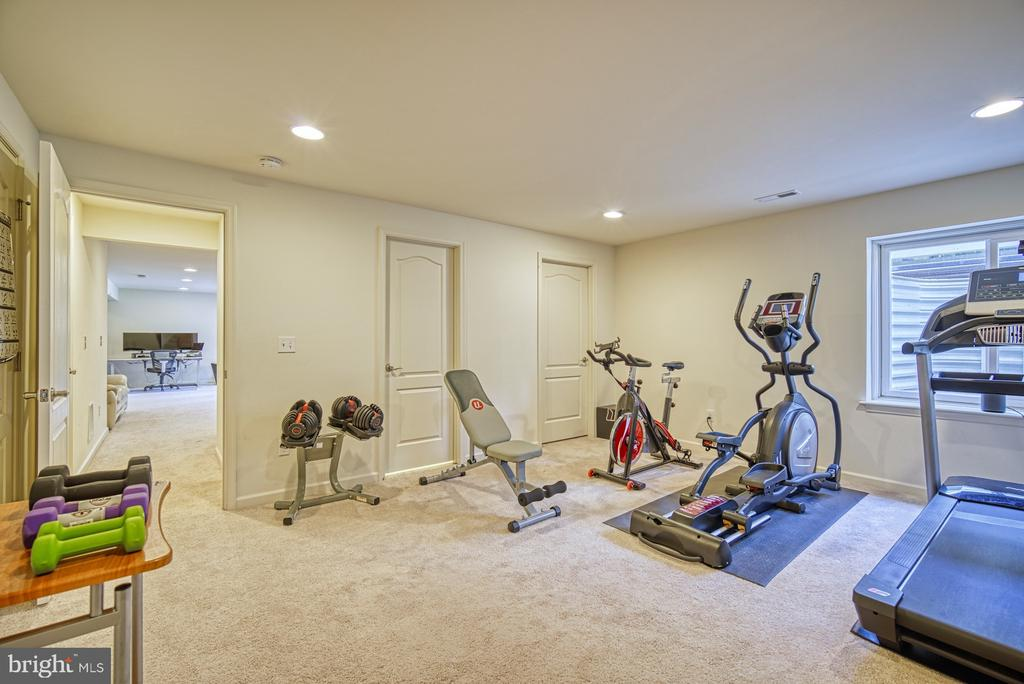 5th Legal Bedroom, or use as Gym, Home Office - 42105 AUTUMN RAIN CIR, BRAMBLETON