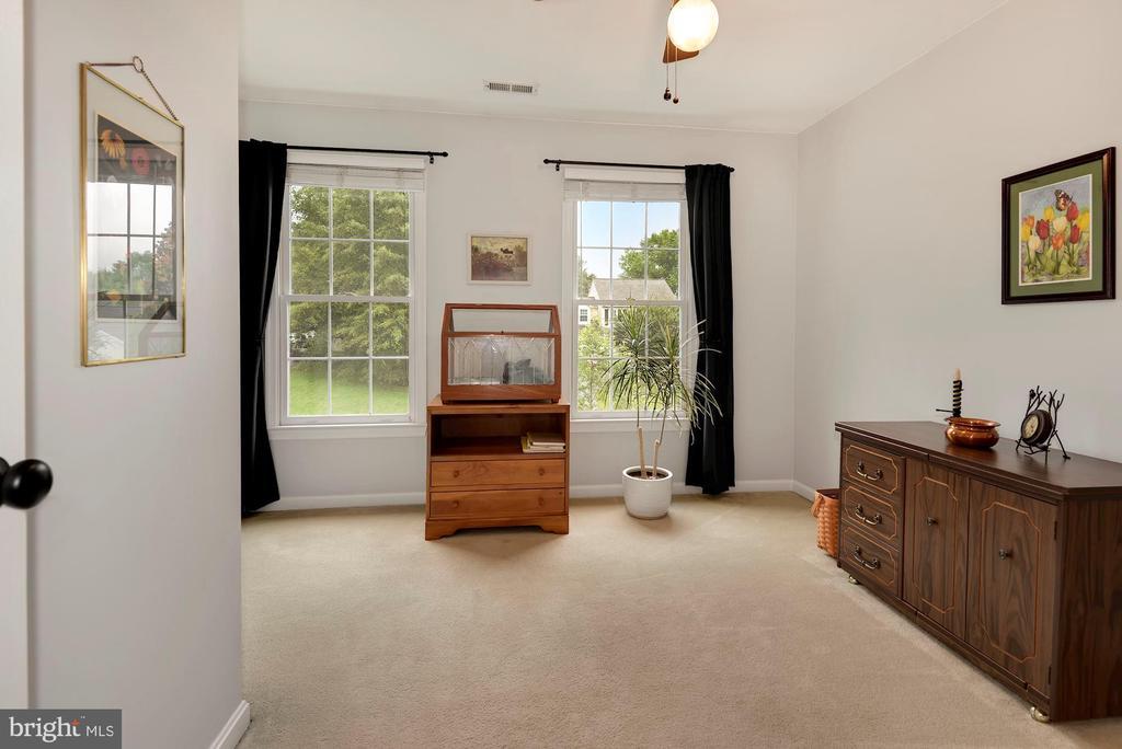 Bedroom 3 - 17559 DEAVERS CT, HAMILTON