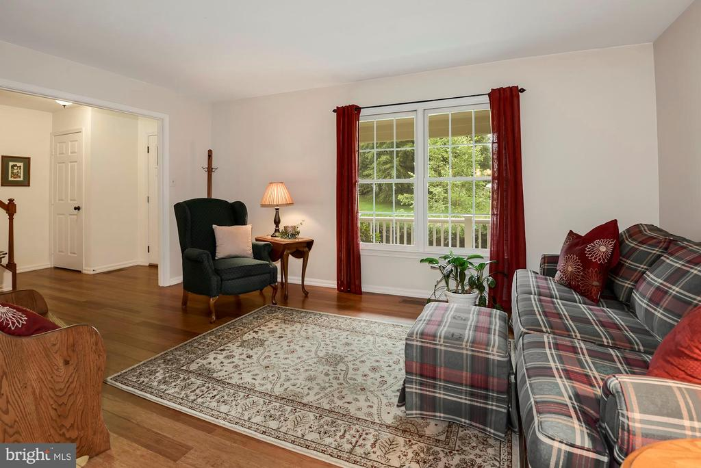 Living Room - 17559 DEAVERS CT, HAMILTON