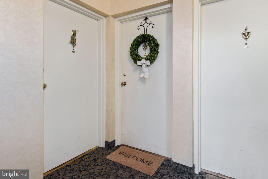 Welcome Home!  Come On In, Prepare to Fall in Love - 1931 WILSON LN #102, MCLEAN