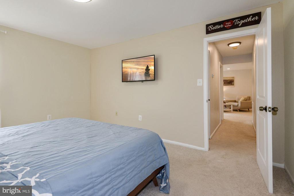 Master Bedroom - 1931 WILSON LN #102, MCLEAN