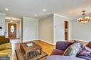 Crown Molding - 6215 THOMAS DR, SPRINGFIELD