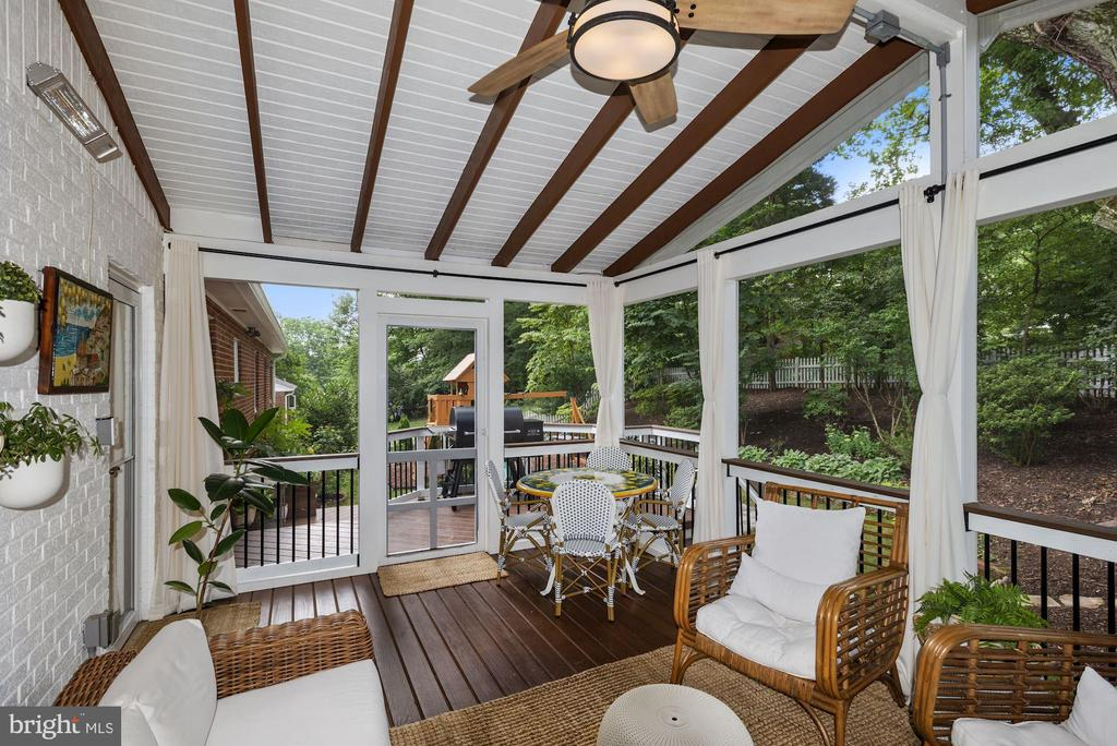 Gorgeous screened in Porch - 6322 ANNELIESE DR, FALLS CHURCH