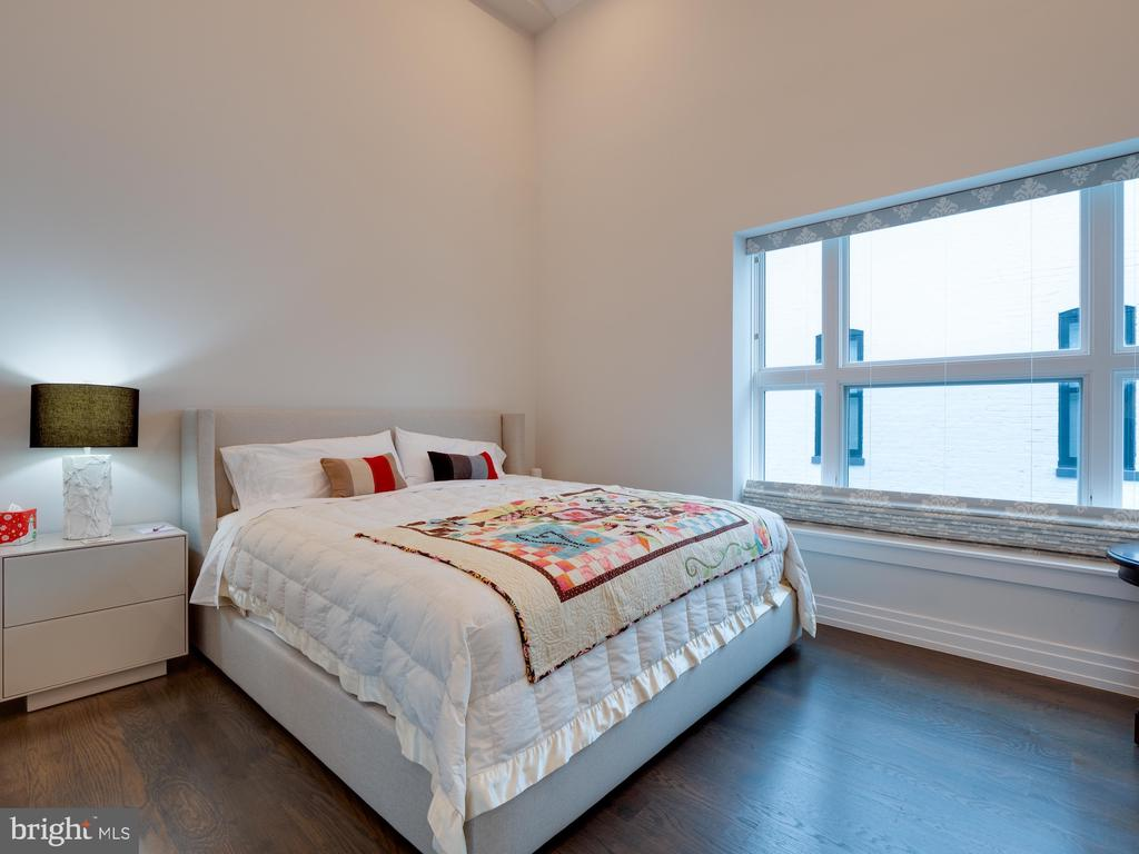 Guest Bedroom - 514 4TH ST SE #301, WASHINGTON