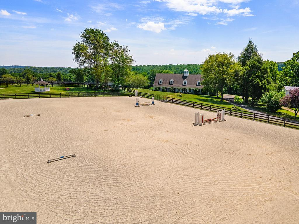 Some jumps in outdoor arena - 19200 ORCHARD MANOR LN, LEESBURG