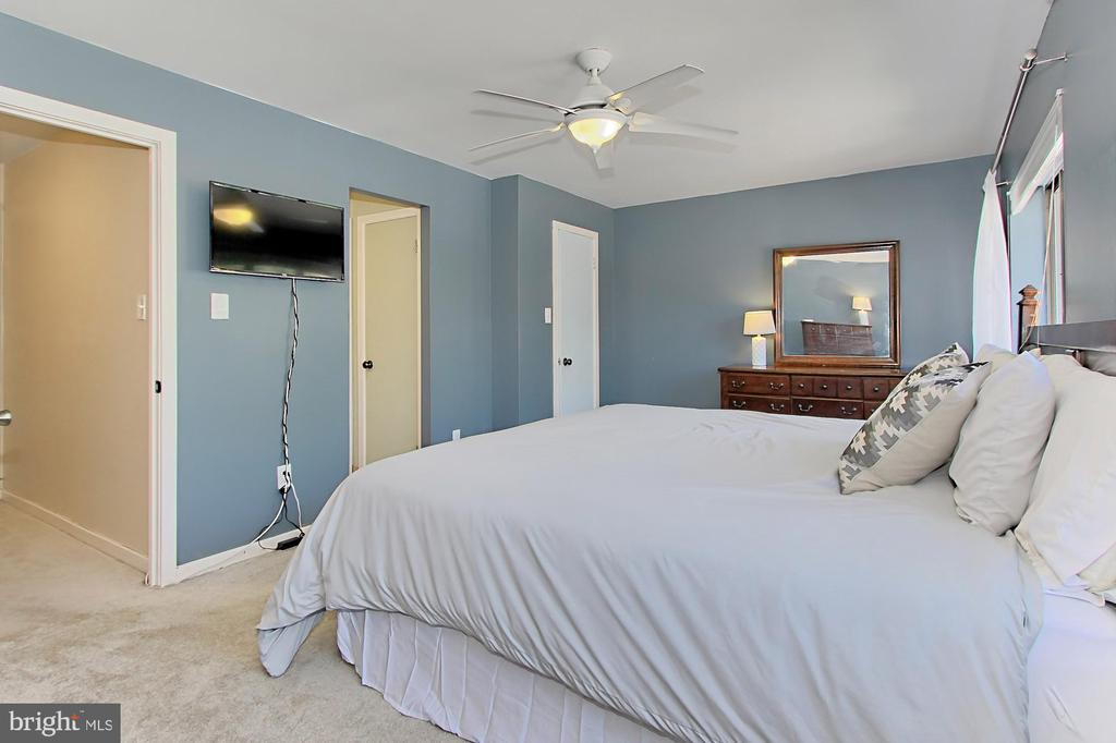 Owner's Suite - 3729-A MADISON LN, FALLS CHURCH