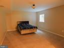 Lower level bedroom with egress - 9300 EAGLE CT, MANASSAS PARK