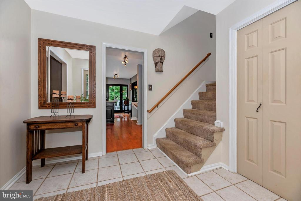 Staircase - 7917 W BROOKRIDGE DR, MIDDLETOWN