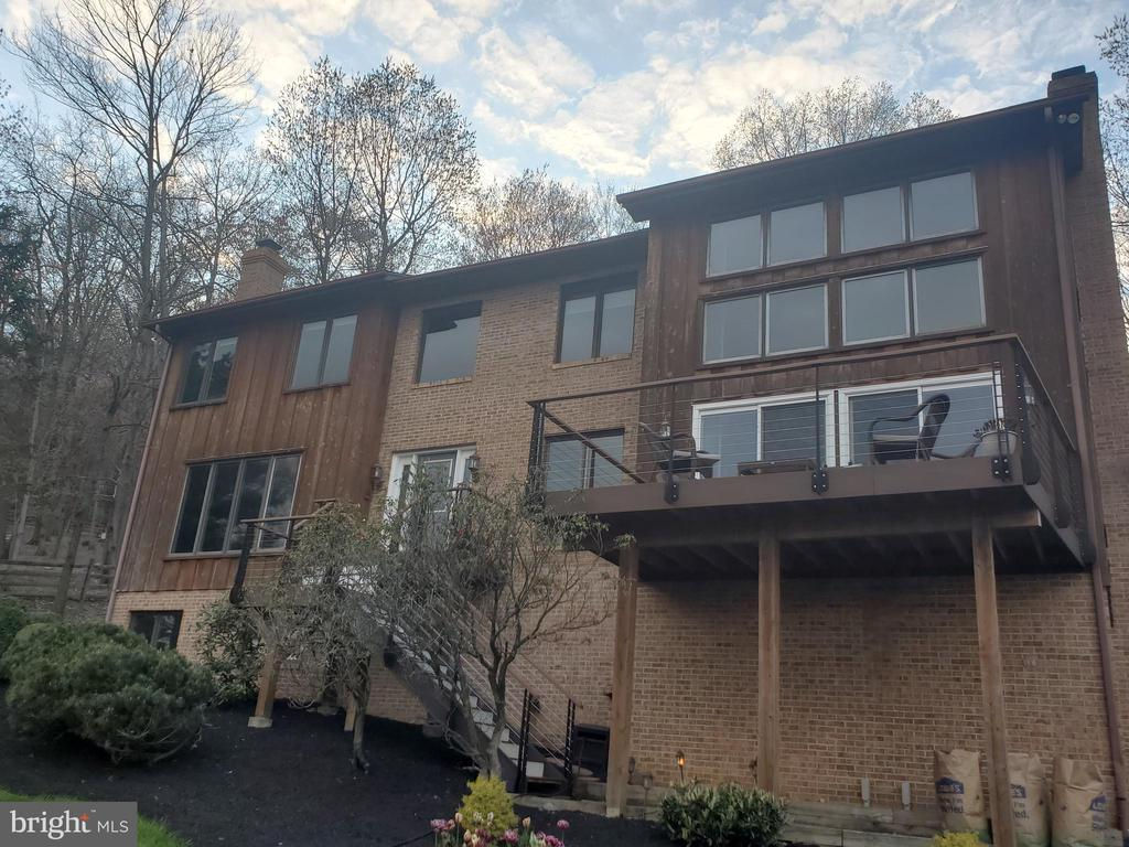 Front exterior, view 2 - 5520 BOOTJACK DR, FREDERICK