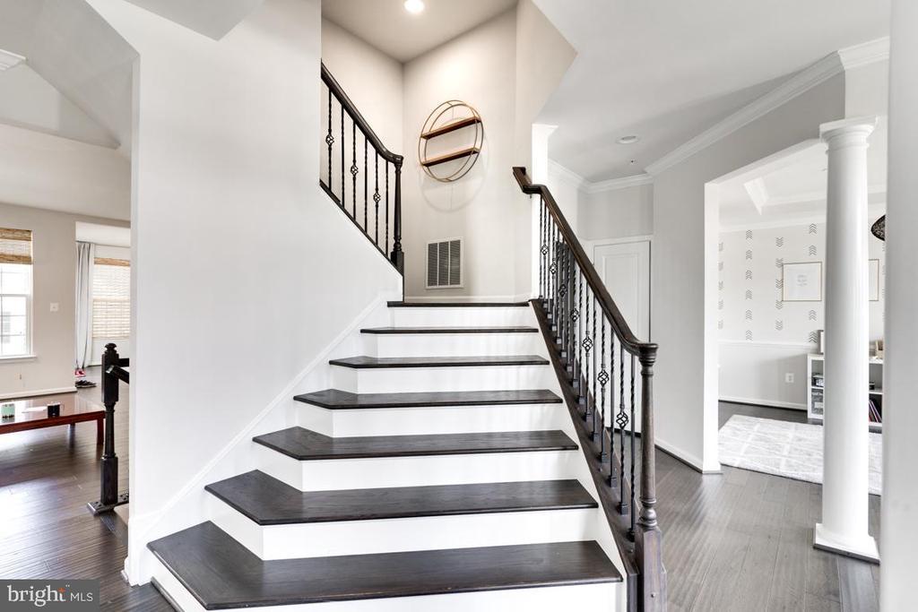 Grand Staircase - 4509 MONROVIA BLVD, MONROVIA
