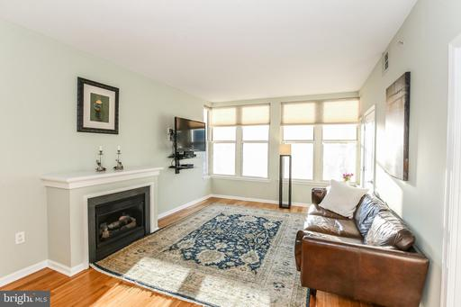 715 6TH ST NW #802