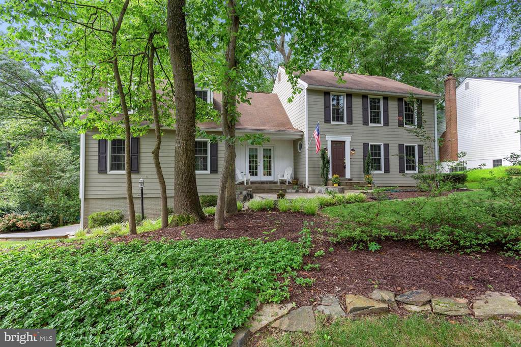 Beautifully sited Front Exterior - 1958 BARTON HILL RD, RESTON