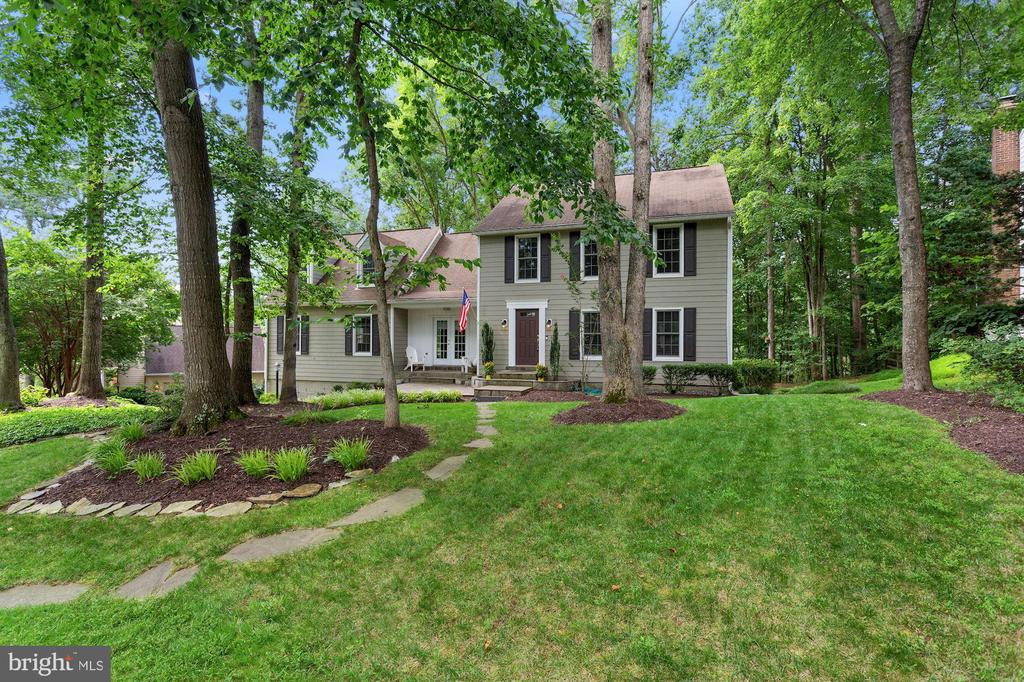 - 1958 BARTON HILL RD, RESTON