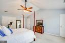 Owners suite with vaulted ceiling & ceiling fan - 10809 STACY RUN, FREDERICKSBURG