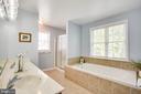 Owners suite full bath w/soaker tub & sep. shower - 10809 STACY RUN, FREDERICKSBURG