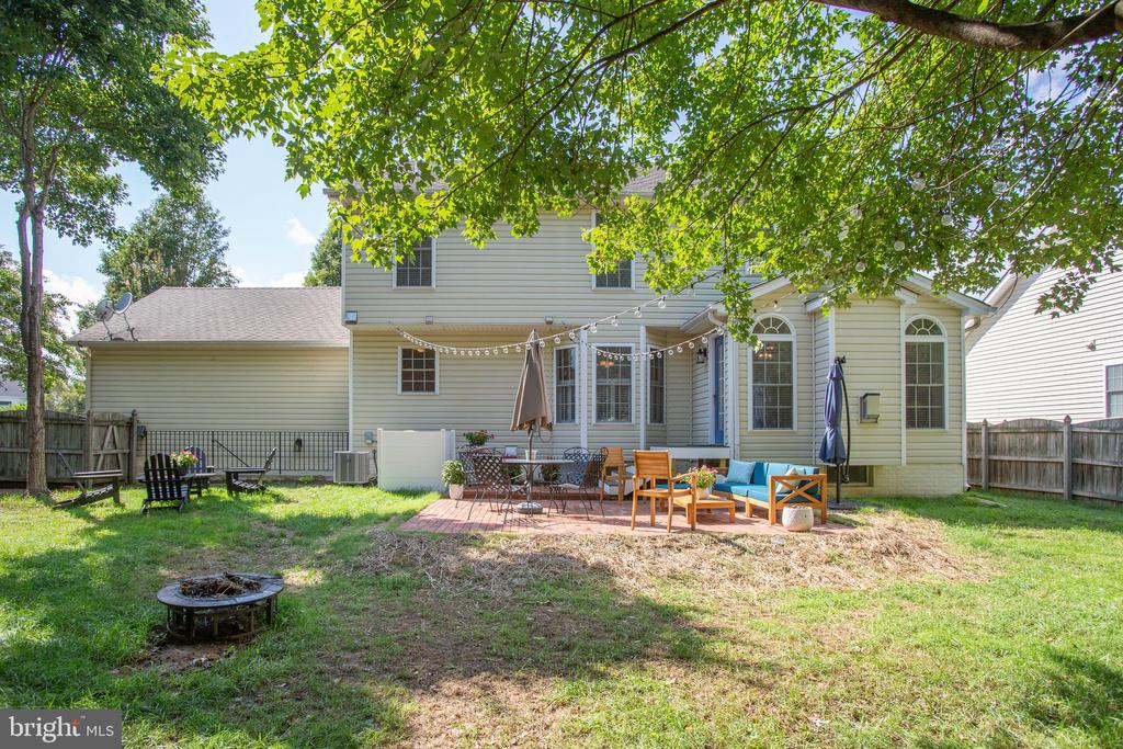 Lots of room to entertain - 10809 STACY RUN, FREDERICKSBURG