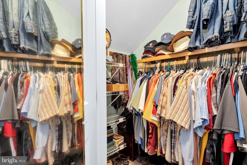 1 of 3 walk-in closets in master - 8119 HADDINGTON CT, FAIRFAX STATION