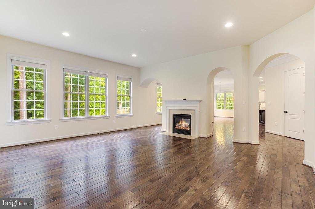 Family Room - 2-sided Fireplace - 1351 BLAIRSTONE DR, VIENNA