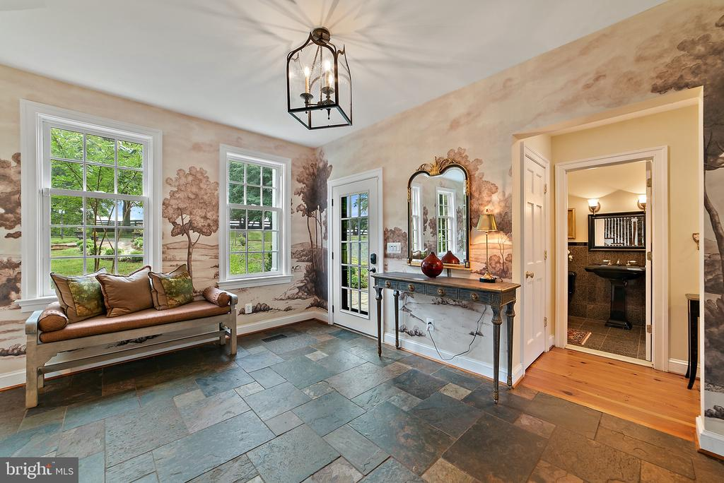 Entry Foyer - 19200 ORCHARD MANOR LN, LEESBURG
