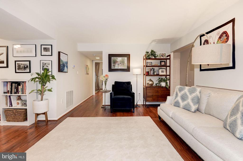Living Room - Simply Stunning! - 7758 NEW PROVIDENCE DR #10, FALLS CHURCH