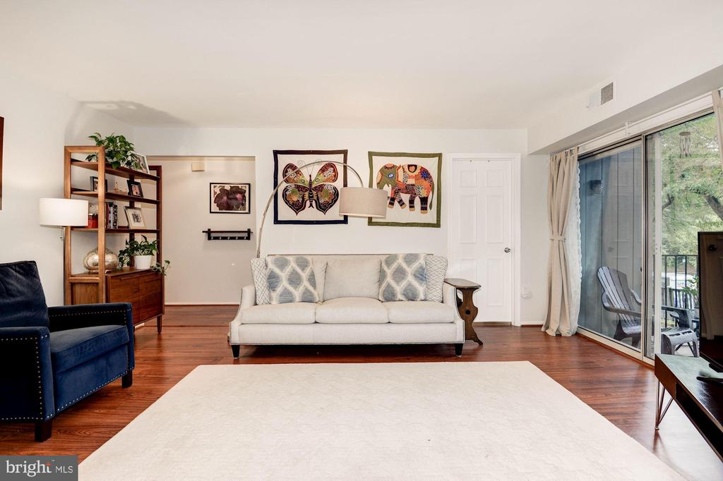 Living Room - Light, Bright, & Airy! - 7758 NEW PROVIDENCE DR #10, FALLS CHURCH