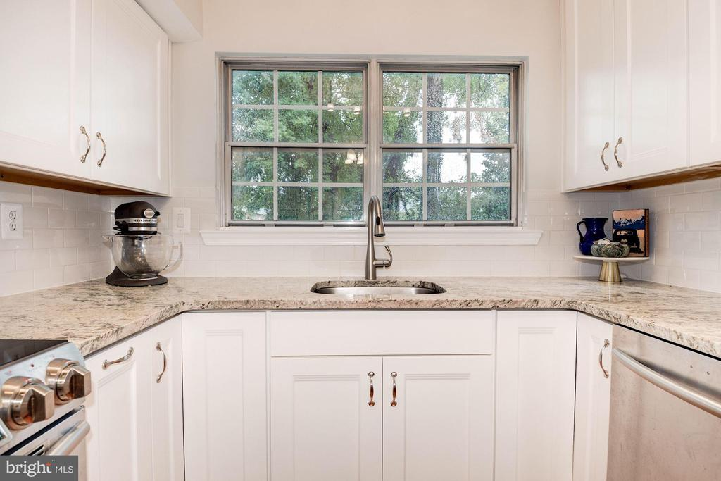 Kitchen - On-Trend White & Gray Color Palette! - 7758 NEW PROVIDENCE DR #10, FALLS CHURCH