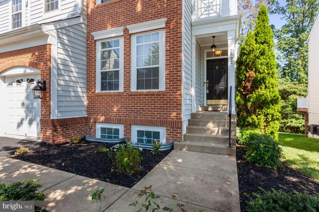 Meticulously Maintained Home - 2692 CAST OFF LOOP, WOODBRIDGE