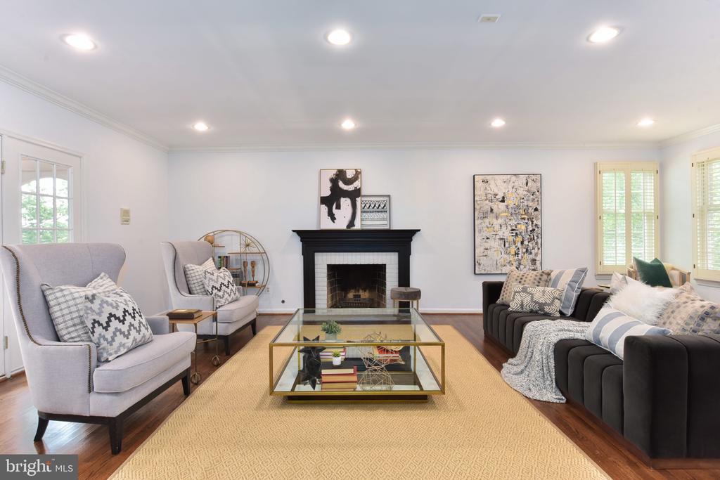Recessed lighting throughout - 1000 DARTMOUTH RD, ALEXANDRIA