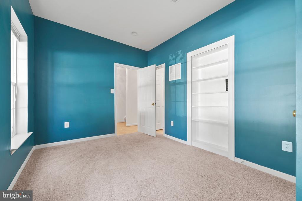 4th Bedroom with Bath - 20232 SENECA SQ, ASHBURN