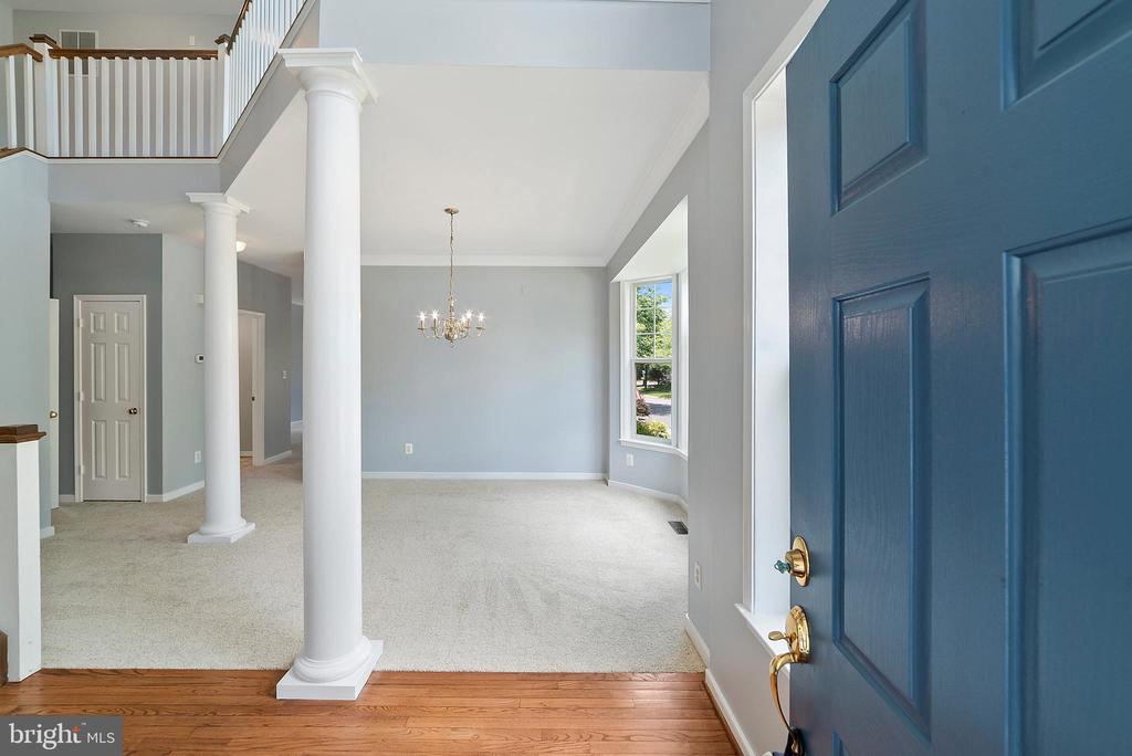 Entryway - 26235 OCALA CIR, CHANTILLY