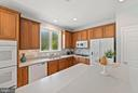 Bright airy Kitchen - 26235 OCALA CIR, CHANTILLY