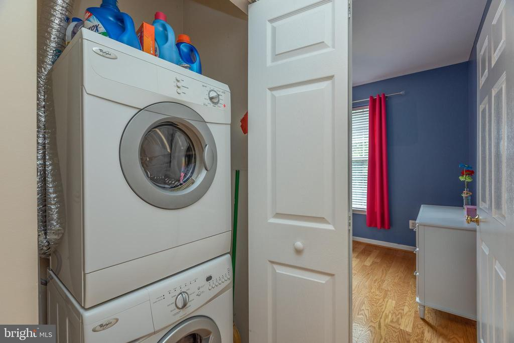 In unit washer/dryer - 6495 TAYACK PL #201, ALEXANDRIA