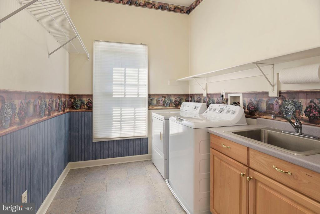 Main level laundry room - 11308 KNIGHTS LANDING CT, LAUREL