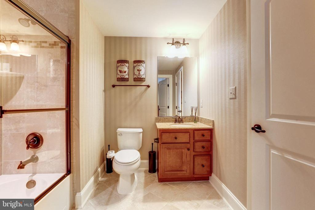 Bathroom - 1635 ADMIRALS HILL CT, VIENNA