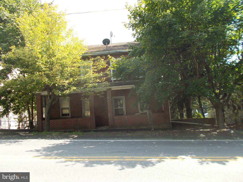 Duplex Homes por un Venta en Cumbola, Pennsylvania 17930 Estados Unidos