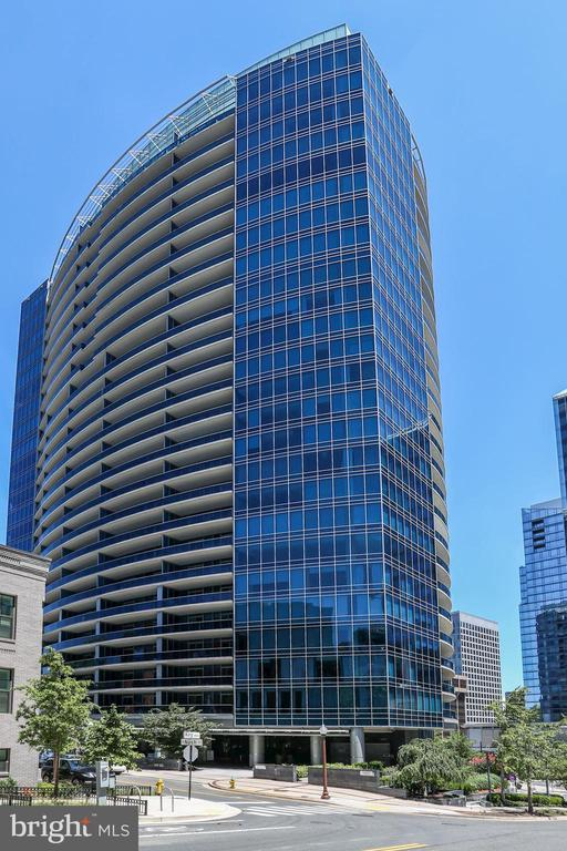 Turnberry Tower - 1881 N NASH ST #1210, ARLINGTON