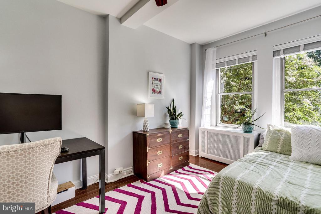 Large Den/2nd Bedroom/Office - 3601 CONNECTICUT AVE NW #118, WASHINGTON