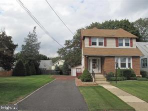 Duplex Homes 為 出售 在 Collingswood, 新澤西州 08107 美國
