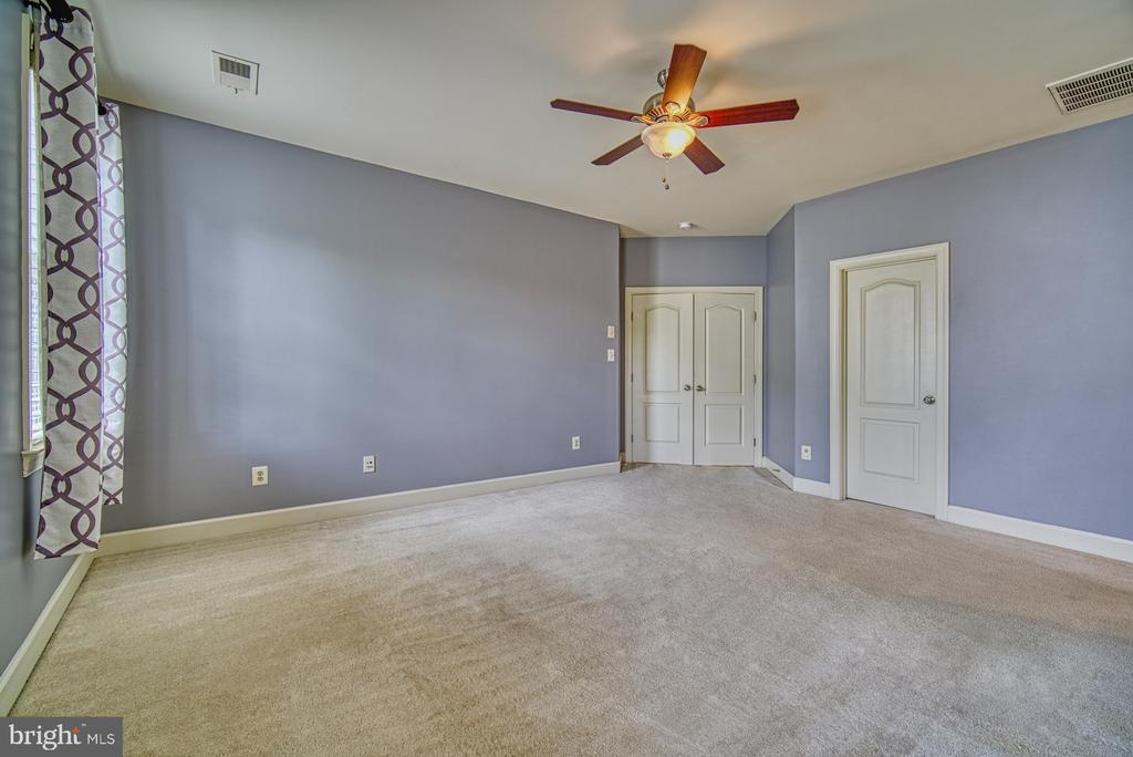 Master Bedroom has TWO Walk-in Closets - 42439 MERIDIAN HILL DR, BRAMBLETON