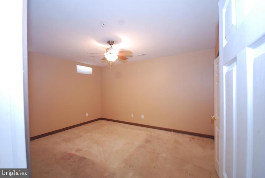 Basement room - 9560 TARVIE CIR, BRISTOW