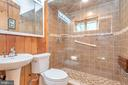 Gorgeous upper level bath just outside master - 1201 LAKEVIEW PKWY, LOCUST GROVE