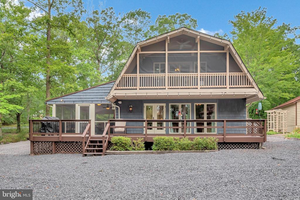 Let's get this lake life started! - 1201 LAKEVIEW PKWY, LOCUST GROVE