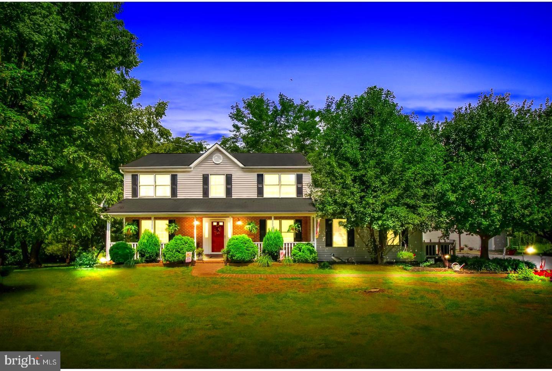 Single Family Homes 为 销售 在 Fawn Grove, 宾夕法尼亚州 17321 美国
