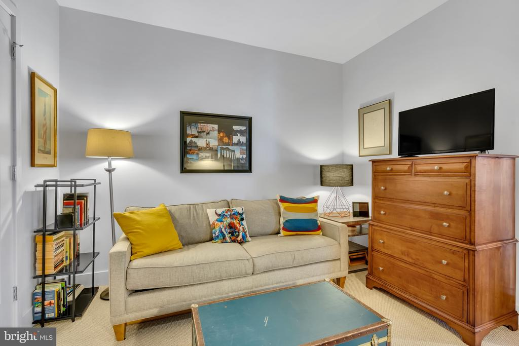 second bedroom /Guest room - 45 SUTTON SQ SW #1104, WASHINGTON
