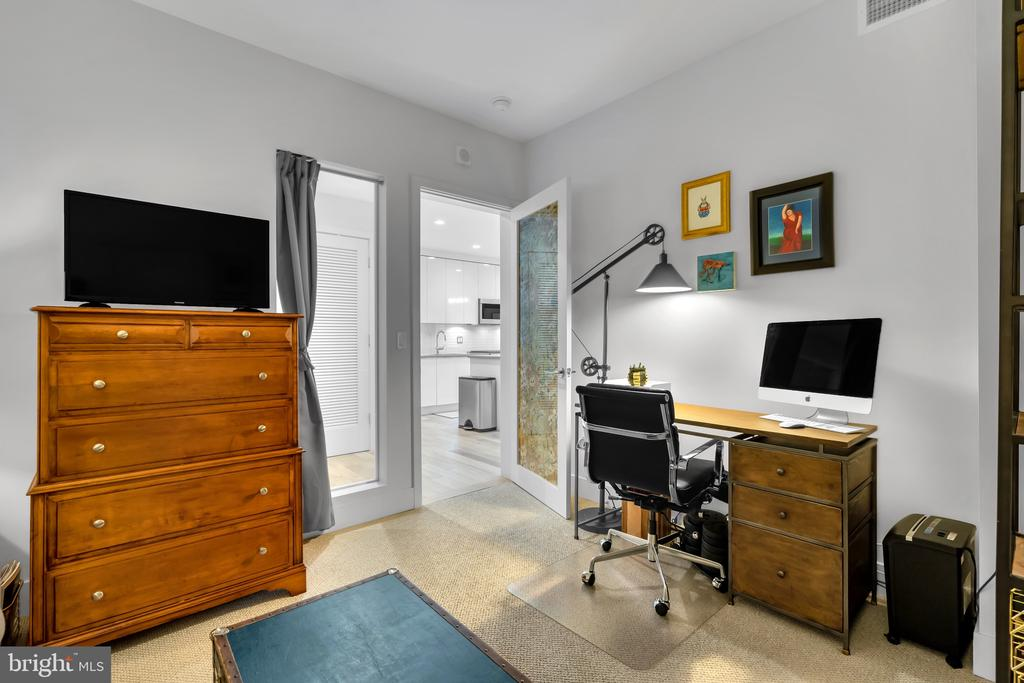 second bedroom, spacious and functional - 45 SUTTON SQ SW #1104, WASHINGTON