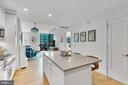 Oversized island great for entertaining - 45 SUTTON SQ SW #1104, WASHINGTON