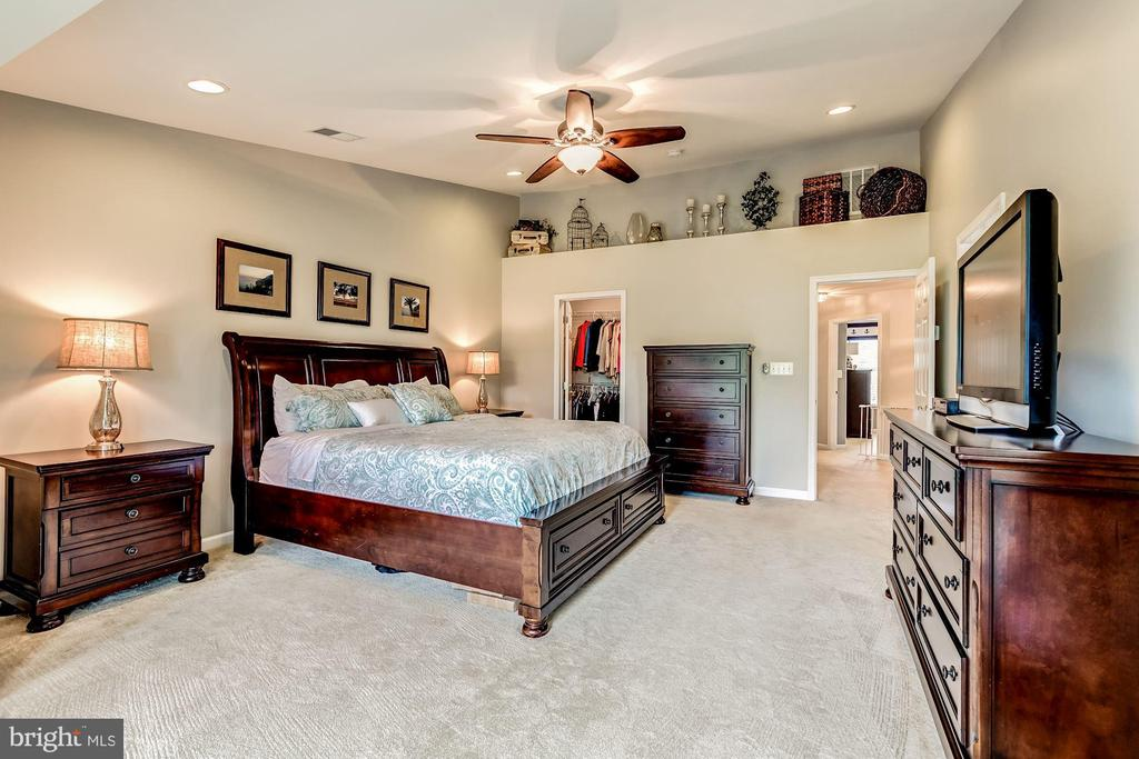 - 25572 CREEKMORE TER, CHANTILLY